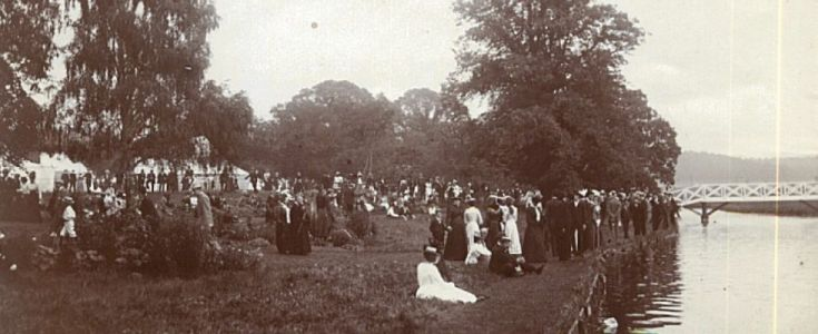 Sandy Show -On the River Bank 1900s