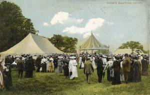Sandy Show around 1904